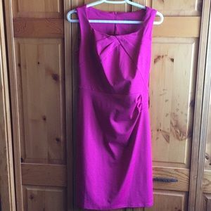 Sleeveless pink knee length dress